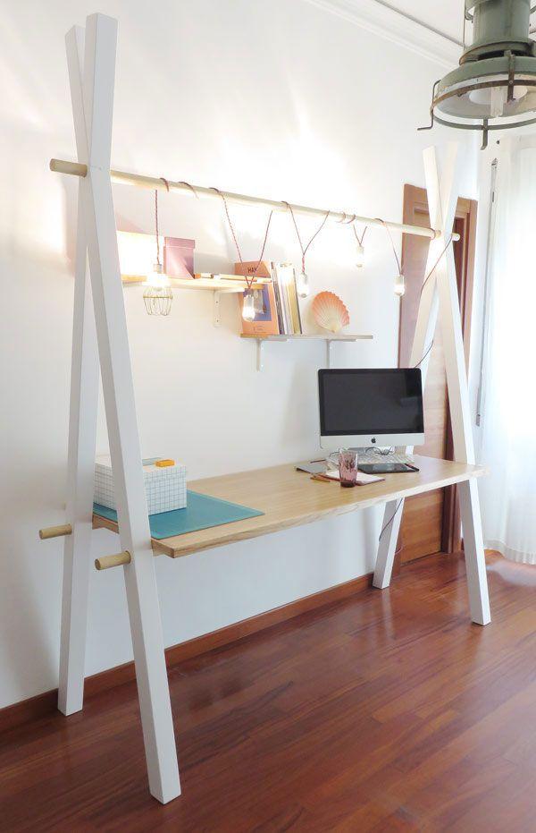 γραφείο από κομμάτια ξύλο
