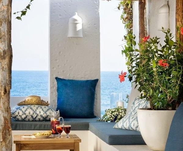 βεράντα με θέα στη θάλασσα