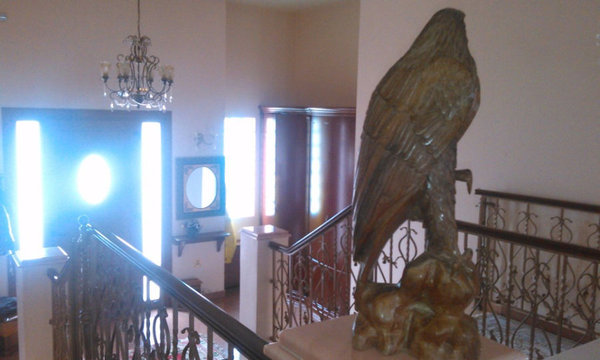 Αυτό το κοράκι να κάνει το δωμάτιο μου χώρο προξενιό στο κάστρο DLC