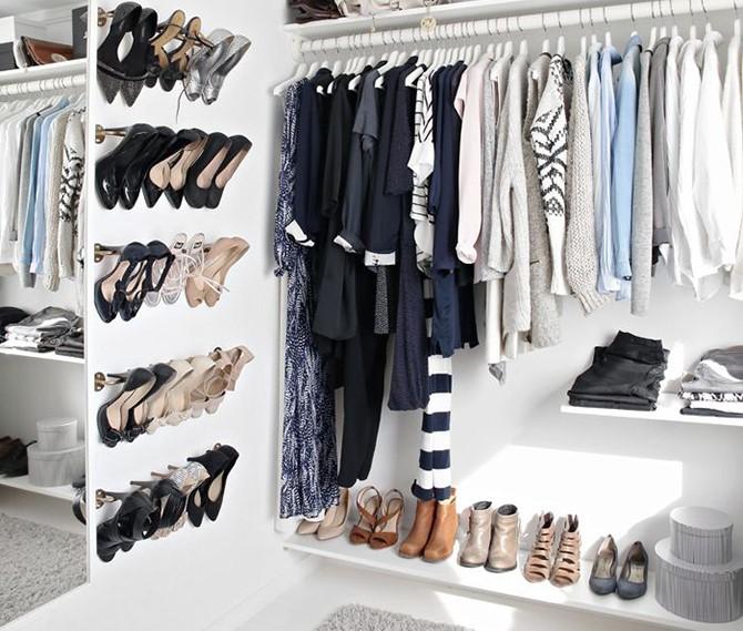 παπούτσια στη ντουλάπα