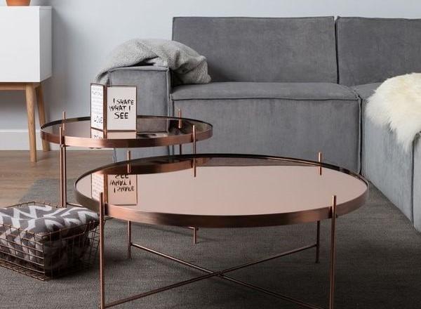 χάλκινο τραπέζι
